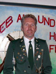 Leiter Bogensparte des Schützenverein Velpke Achim Kottirre